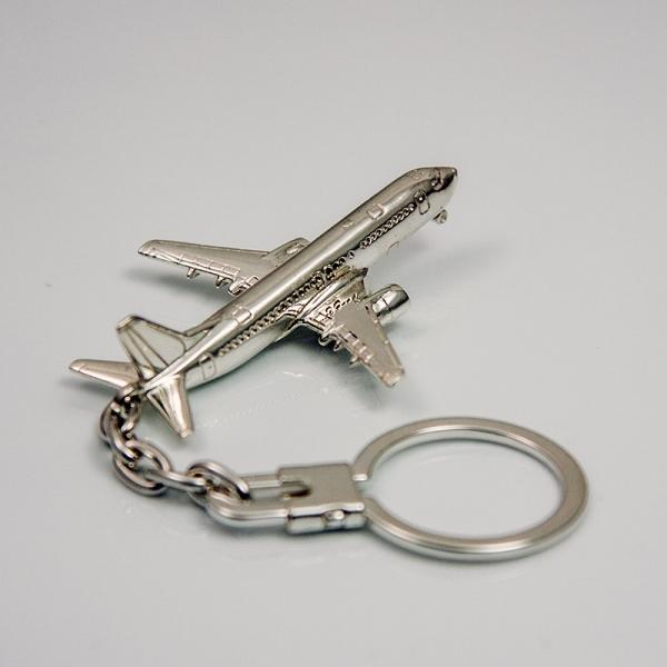 Llavero de plata de ley avión Boeing 737